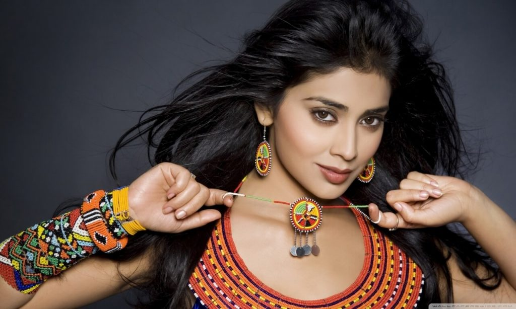 Shriya Saran Date Of Birth, Age, Husband, Married, Height, Net Worth, Biography, Images(photos), Education, Details, Wiki, Instagram, Facebook, Twitter, Imdb, Youtube, Website, Awards (25)