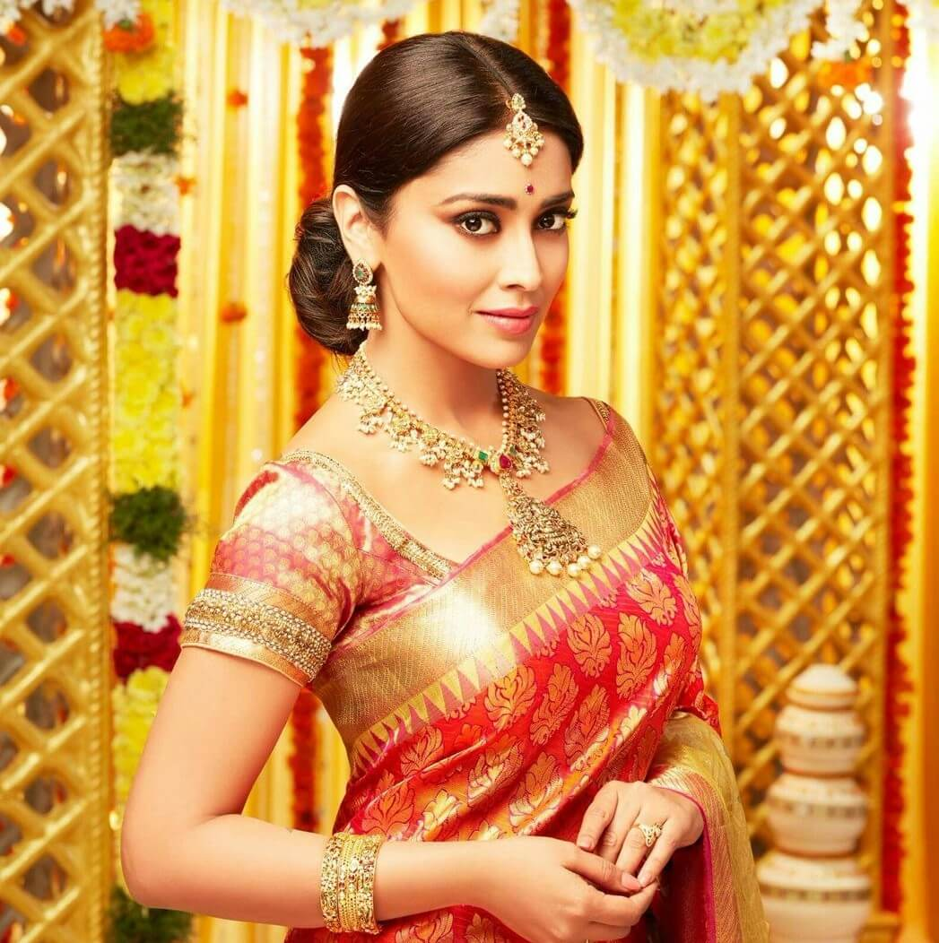Shriya Saran Date Of Birth, Age, Husband, Married, Height, Net Worth, Biography, Images(photos), Education, Details, Wiki, Instagram, Facebook, Twitter, Imdb, Youtube, Website, Awards (26)