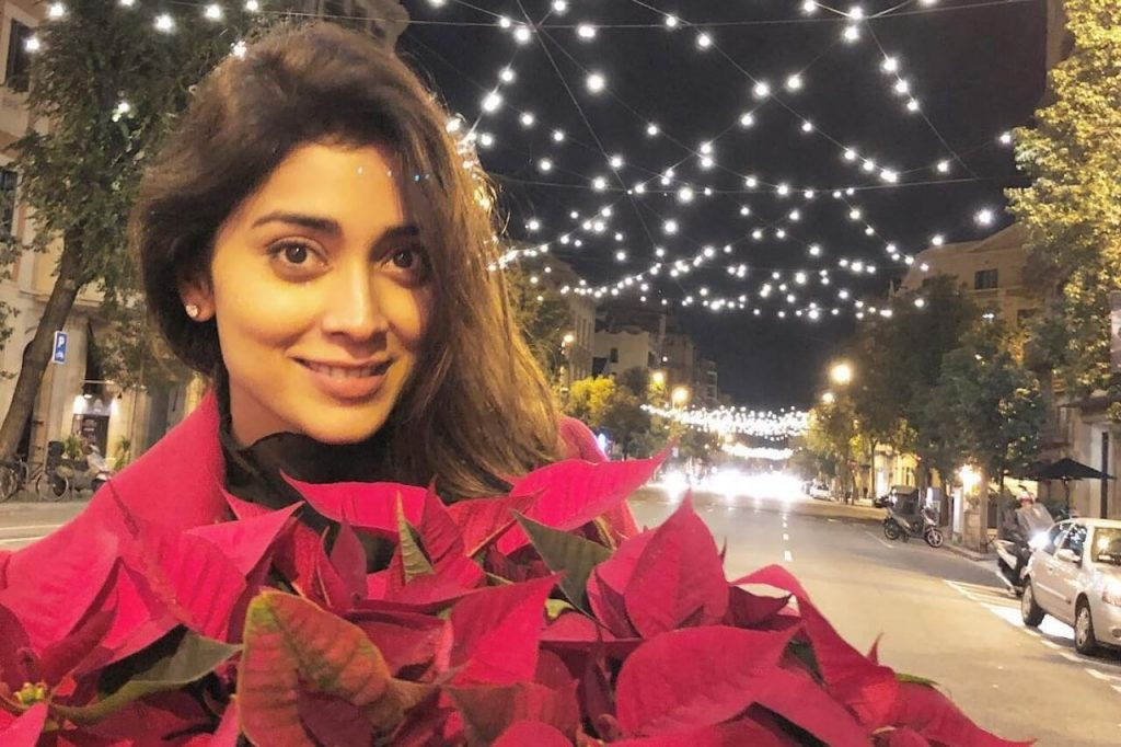 Shriya Saran Date Of Birth, Age, Husband, Married, Height, Net Worth, Biography, Images(photos), Education, Details, Wiki, Instagram, Facebook, Twitter, Imdb, Youtube, Website, Awards (28)