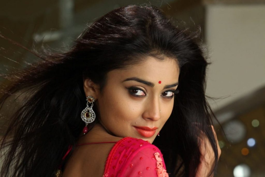 Shriya Saran Date Of Birth, Age, Husband, Married, Height, Net Worth, Biography, Images(photos), Education, Details, Wiki, Instagram, Facebook, Twitter, Imdb, Youtube, Website, Awards (37)