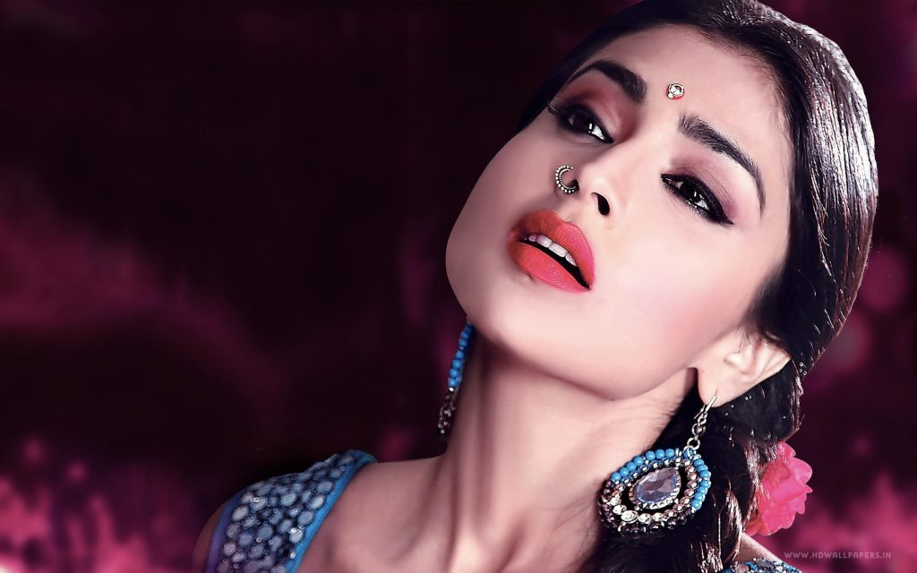Shriya Saran Date Of Birth, Age, Husband, Married, Height, Net Worth, Biography, Images(photos), Education, Details, Wiki, Instagram, Facebook, Twitter, Imdb, Youtube, Website, Awards (7)