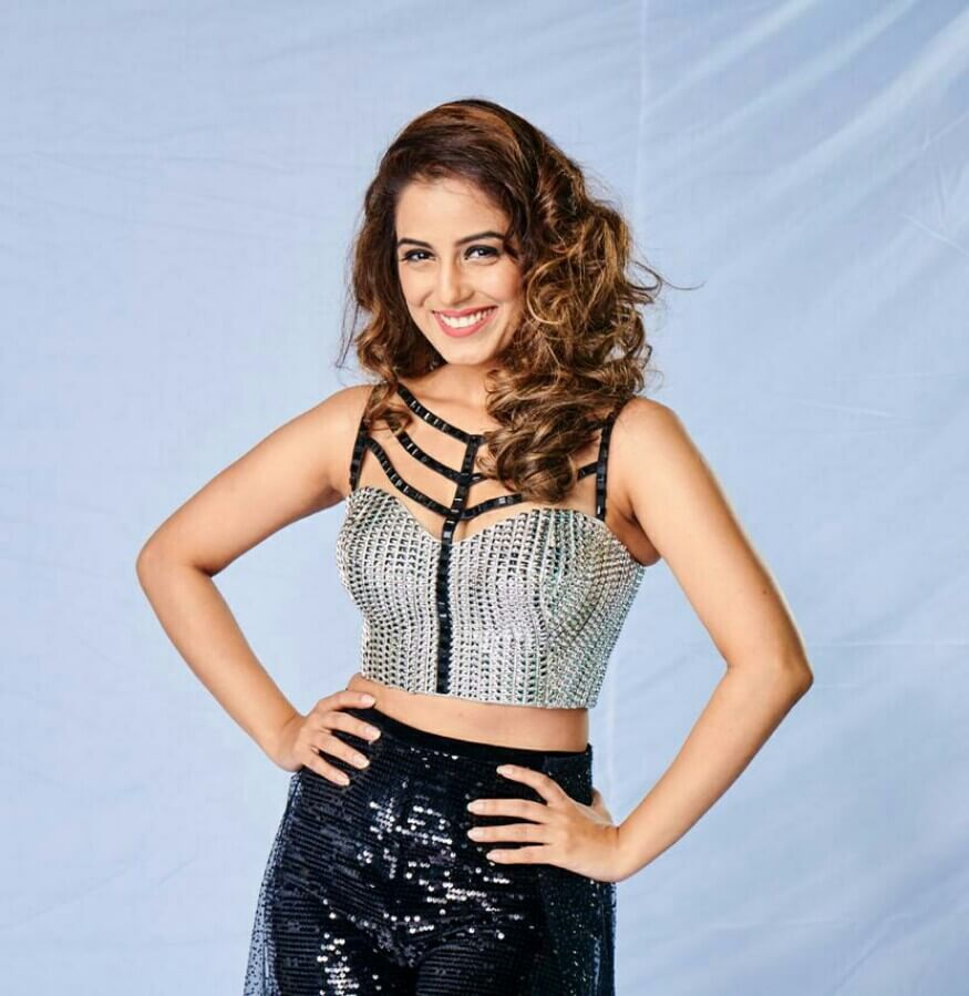 Srishty Rode Biography, Height, Husband, Age, Images(photo), Date Of Birth, Hairstyle, Education, Details, Bigg Boss, Net Worth, Twitter, Wiki, Instagram, Imdb, Youtube, Facebook (1)