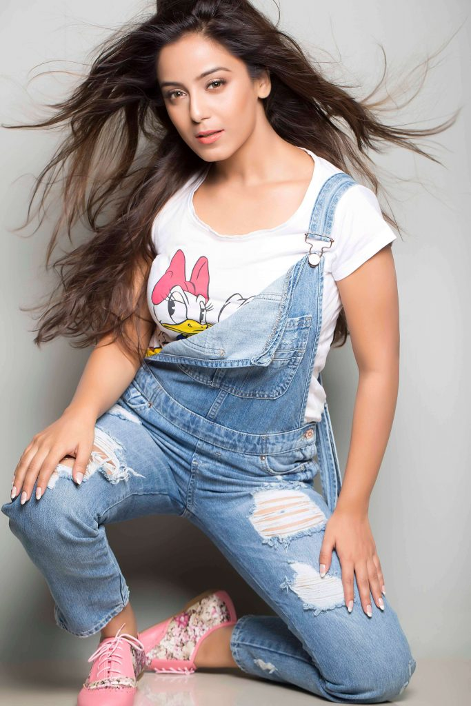 Srishty Rode Biography, Height, Husband, Age, Images(photo), Date Of Birth, Hairstyle, Education, Details, Bigg Boss, Net Worth, Twitter, Wiki, Instagram, Imdb, Youtube, Facebook (17)