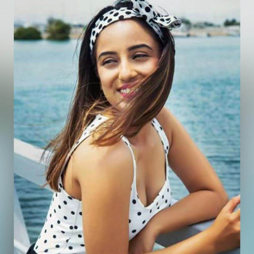 Srishty Rode Biography, Height, Husband, Age, Images(photo), Date Of Birth, Hairstyle, Education, Details, Bigg Boss, Net Worth, Twitter, Wiki, Instagram, Imdb, Youtube, Facebook (2)