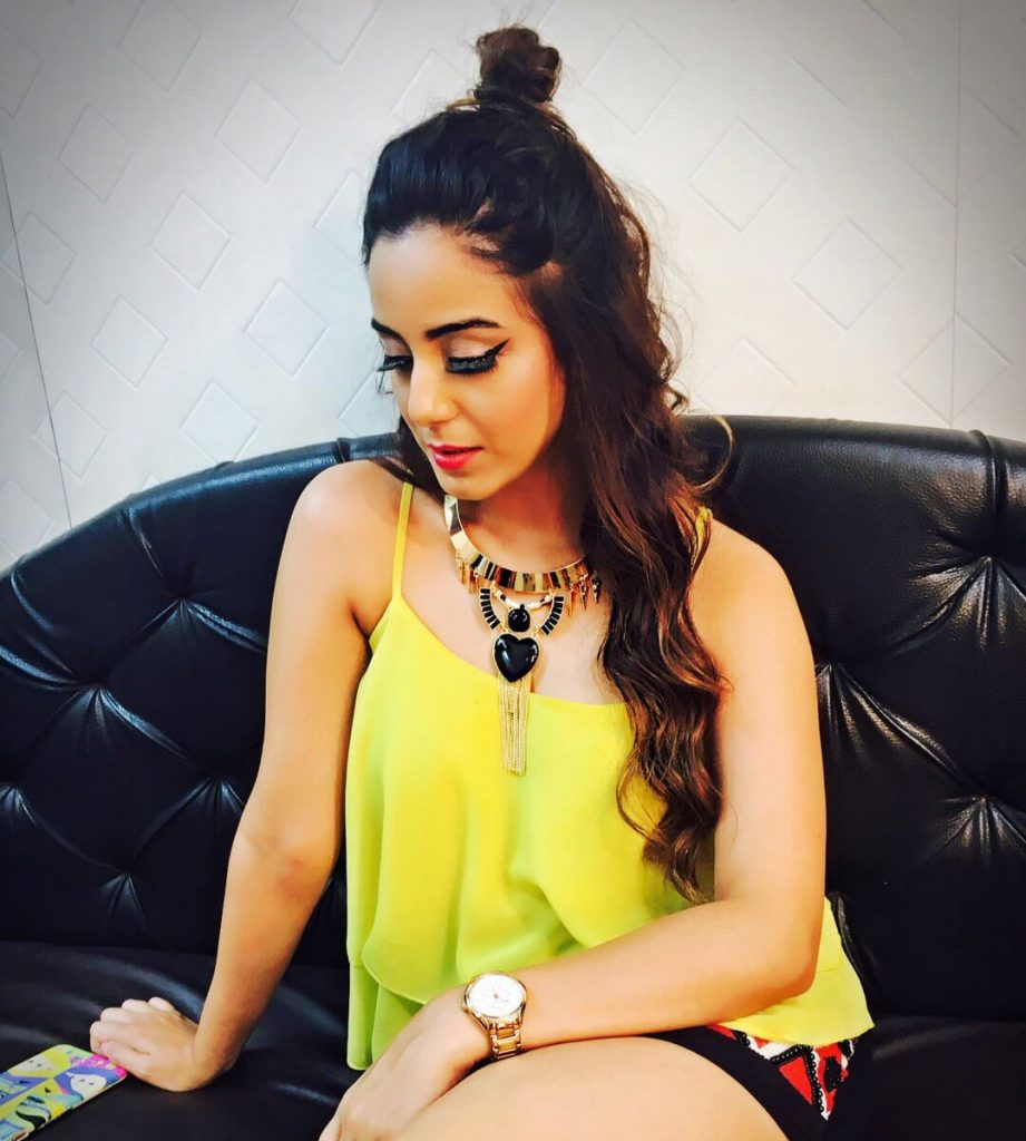 Srishty Rode Biography, Height, Husband, Age, Images(photo), Date Of Birth, Hairstyle, Education, Details, Bigg Boss, Net Worth, Twitter, Wiki, Instagram, Imdb, Youtube, Facebook (20)