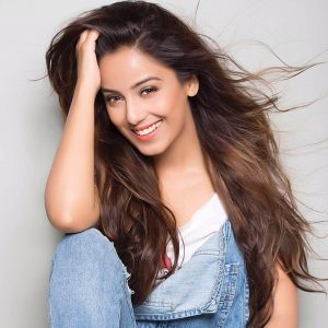 Srishty Rode Biography, Height, Husband, Age, Images(photo), Date Of Birth, Hairstyle, Education, Details, Bigg Boss, Net Worth, Twitter, Wiki, Instagram, Imdb, Youtube, Facebook (33)