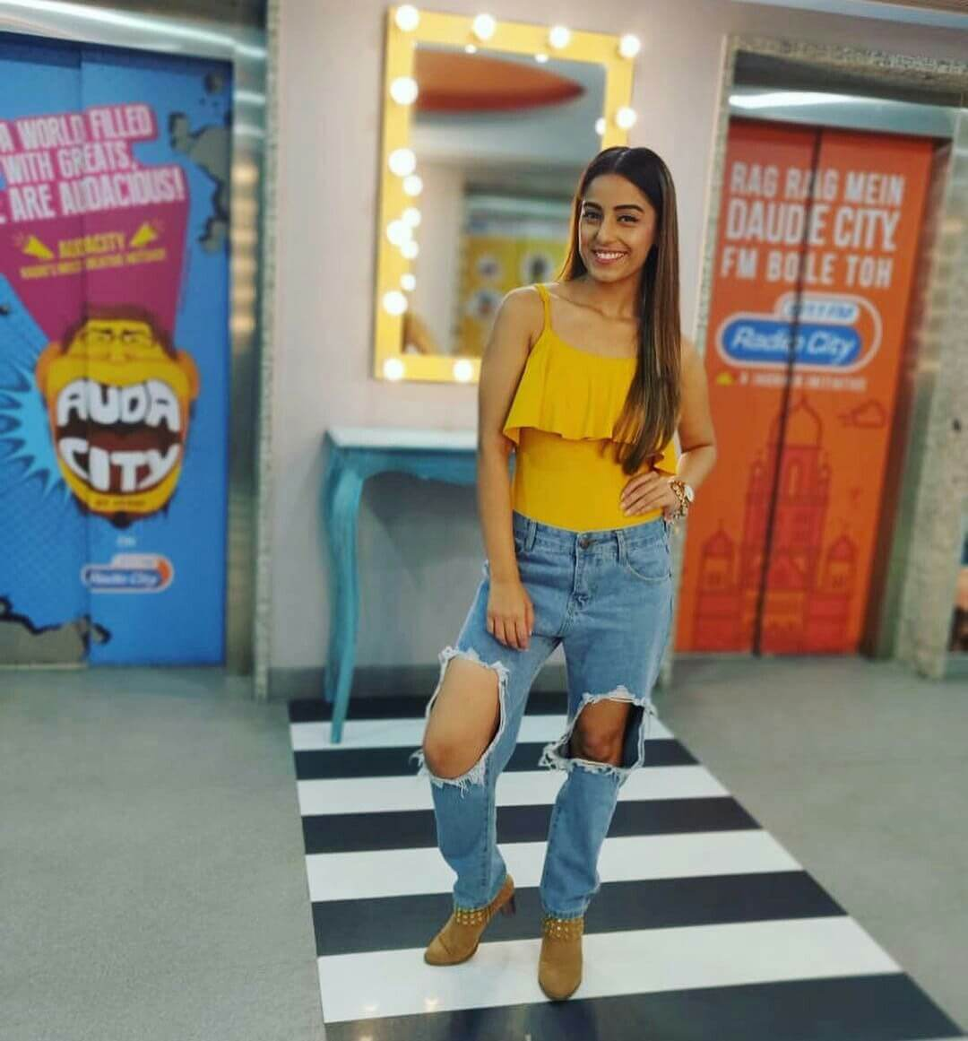 Srishty Rode Biography, Height, Husband, Age, Images(photo), Date Of Birth, Hairstyle, Education, Details, Bigg Boss, Net Worth, Twitter, Wiki, Instagram, Imdb, Youtube, Facebook (4)