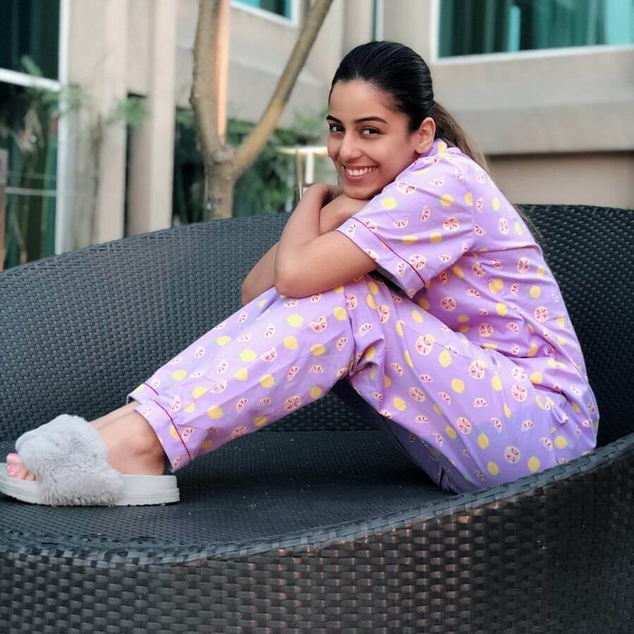 Srishty Rode Biography, Height, Husband, Age, Images(photo), Date Of Birth, Hairstyle, Education, Details, Bigg Boss, Net Worth, Twitter, Wiki, Instagram, Imdb, Youtube, Facebook (59)
