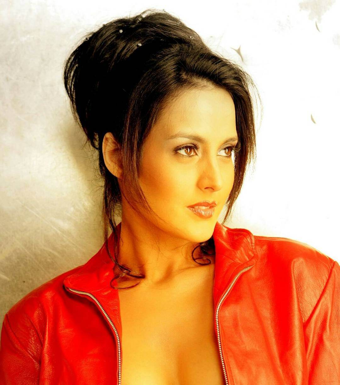Tulip Joshi Date Of Birth, Husband, Age, Biography, Height, Images(photos), Marriage, Family, Net Worth, Wiki, Facebook, Instagram, Twitter, Imdb, Website, Education (13)