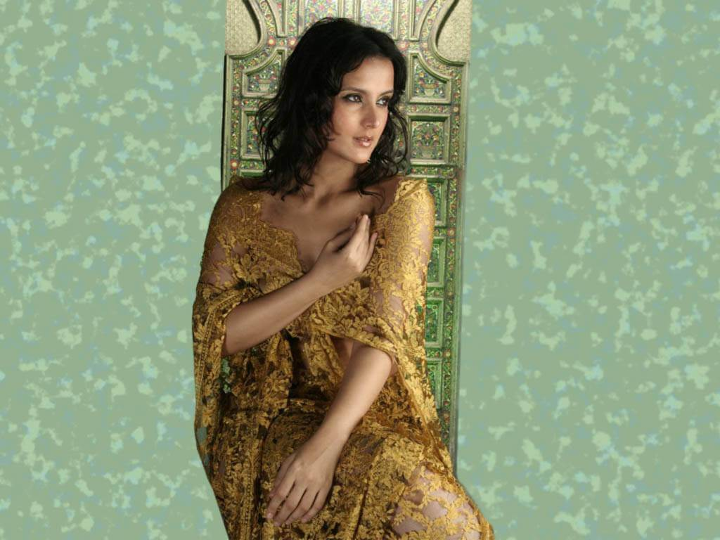 Tulip Joshi Date Of Birth, Husband, Age, Biography, Height, Images(photos), Marriage, Family, Net Worth, Wiki, Facebook, Instagram, Twitter, Imdb, Website, Education (2)