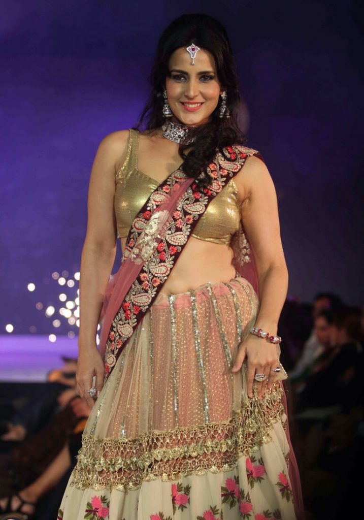 Tulip Joshi Date Of Birth, Husband, Age, Biography, Height, Images(photos), Marriage, Family, Net Worth, Wiki, Facebook, Instagram, Twitter, Imdb, Website, Education (26)