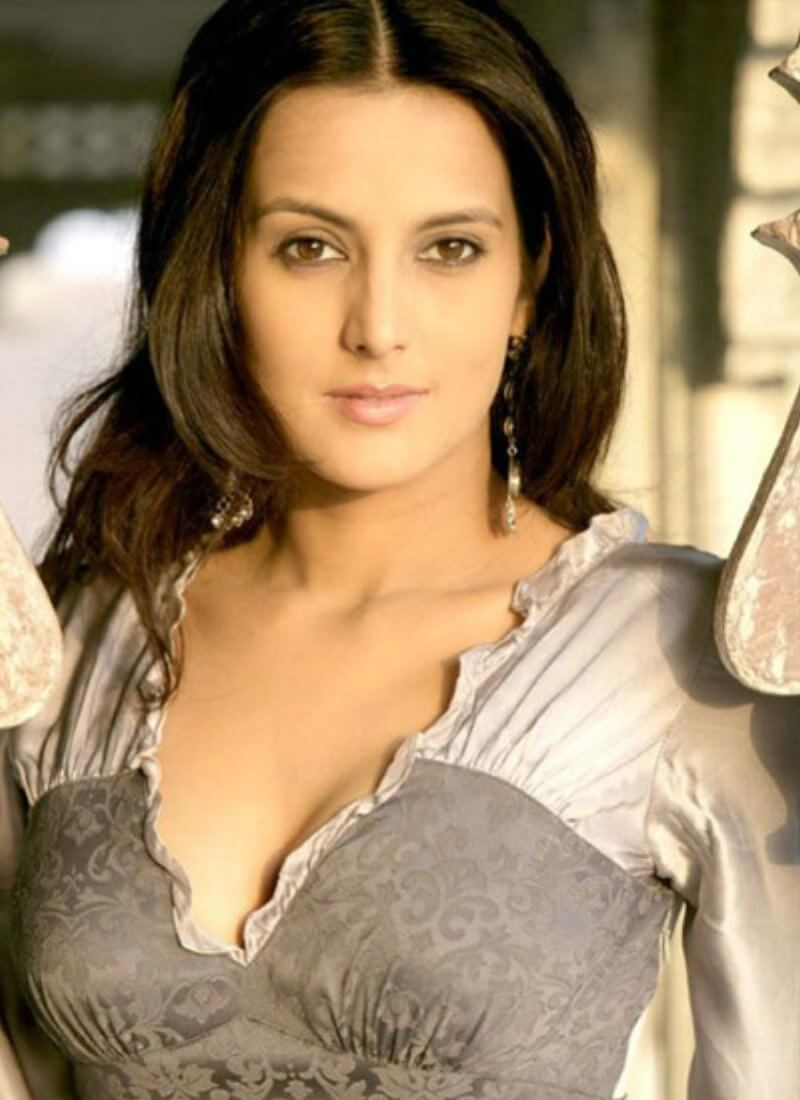Tulip Joshi Date Of Birth, Husband, Age, Biography, Height, Images(photos), Marriage, Family, Net Worth, Wiki, Facebook, Instagram, Twitter, Imdb, Website, Education (35)