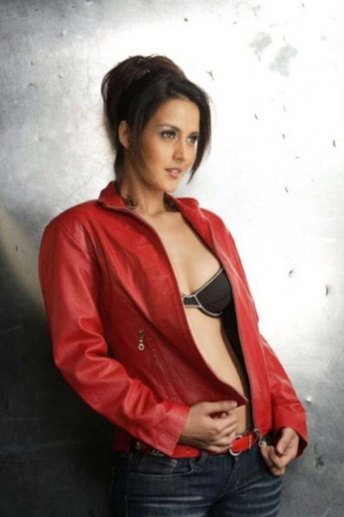 Tulip Joshi Date Of Birth, Husband, Age, Biography, Height, Images(photos), Marriage, Family, Net Worth, Wiki, Facebook, Instagram, Twitter, Imdb, Website, Education (36)