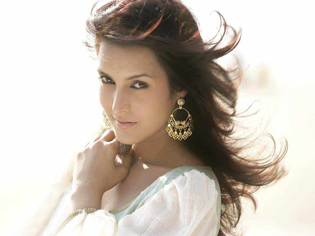 Tulip Joshi Date Of Birth, Husband, Age, Biography, Height, Images(photos), Marriage, Family, Net Worth, Wiki, Facebook, Instagram, Twitter, Imdb, Website, Education (45)