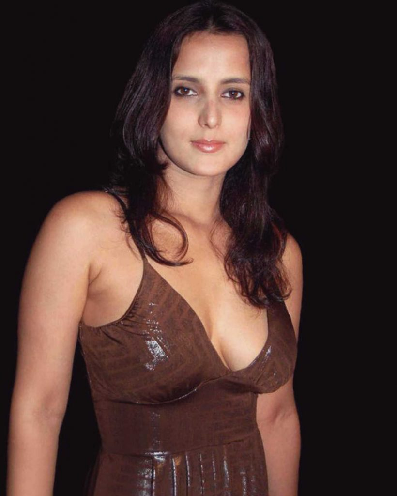 Tulip Joshi Date Of Birth, Husband, Age, Biography, Height, Images(photos), Marriage, Family, Net Worth, Wiki, Facebook, Instagram, Twitter, Imdb, Website, Education (8)