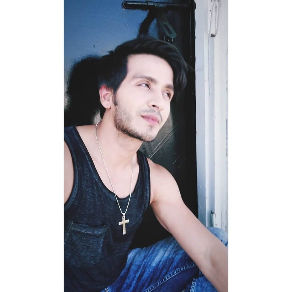 Param Singh Age, Biography, Girlfriend, Height, Net Worth, Images(photos), Wiki, Birthday, Instagram, Twitter, Imdb, Facebook, Youtube, Education (15)