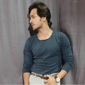 Param Singh Age, Biography, Girlfriend, Height, Net Worth, Images(photos), Wiki, Birthday, Instagram, Twitter, Imdb, Facebook, Youtube, Education (9)