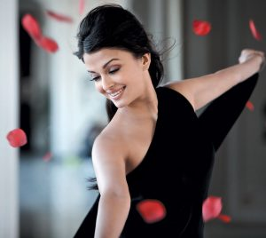 Aishwarya Rai Bachchan Photo(image), Birthdate, Height, Age, Daughter, Net Worth, Biography, Eyes, Family, Husband, Wedding, Brother, Father, History, Twitter, Instagram, Facebook, Imdb, Wiki (1 (24)