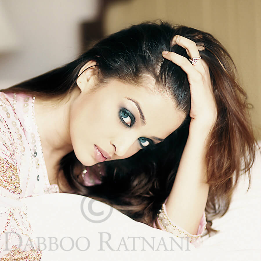 Aishwarya Rai Bachchan Photo(image), Birthdate, Height, Age, Daughter, Net Worth, Biography, Eyes, Family, Husband, Wedding, Brother, Father, History, Twitter, Instagram, Facebook, Imdb, Wiki (1 (40)
