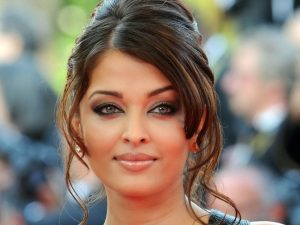Aishwarya Rai Bachchan Photo(image), Birthdate, Height, Age, Daughter, Net Worth, Biography, Eyes, Family, Husband, Wedding, Brother, Father, History, Twitter, Instagram, Facebook, Imdb, Wiki (1 (5)