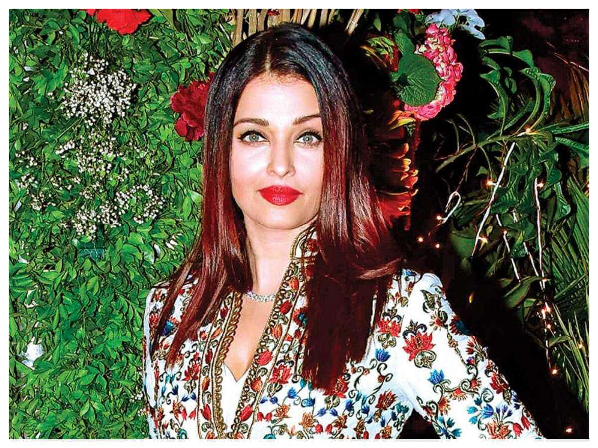 Aishwarya Rai Bachchan Photo(image), Birthdate, Height, Age, Daughter, Net Worth, Biography, Eyes, Family, Husband, Wedding, Brother, Father, History, Twitter, Instagram, Facebook, Imdb, Wiki (1 (60)