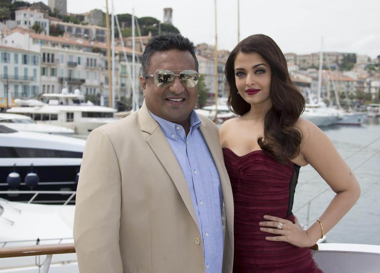 Aishwarya Rai Bachchan Photo(image), Birthdate, Height, Age, Daughter, Net Worth, Biography, Eyes, Family, Husband, Wedding, Brother, Father, History, Twitter, Instagram, Facebook, Imdb, Wiki (1 (7)