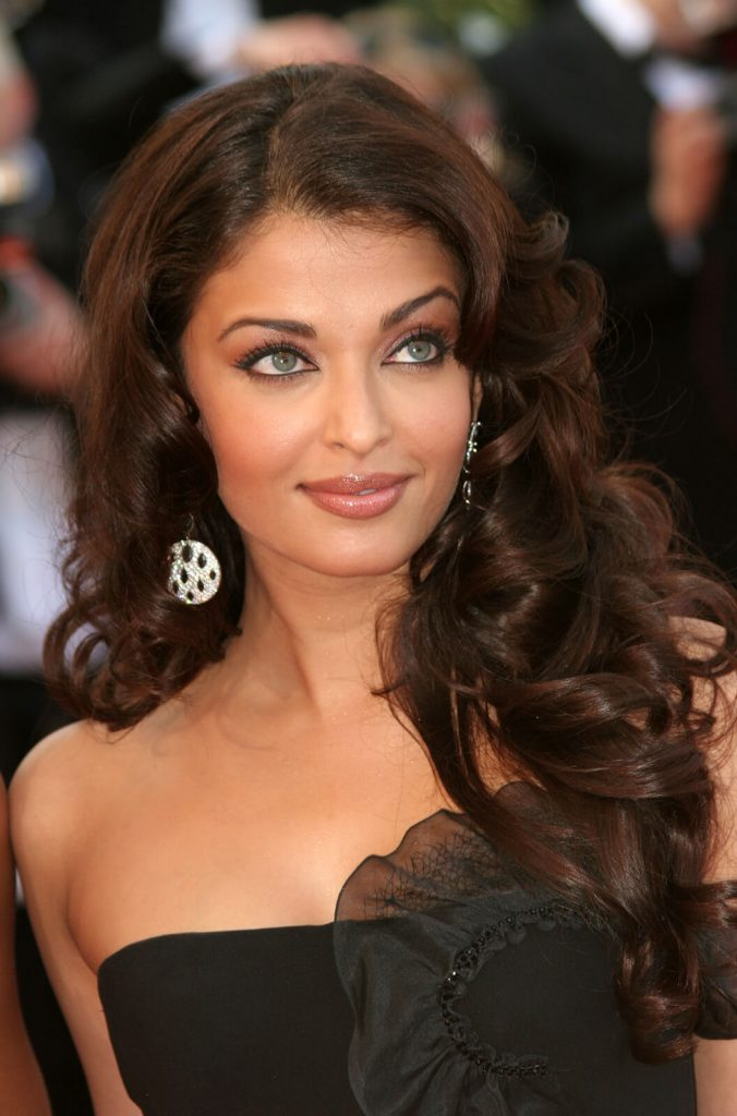 Aishwarya Rai Bachchan Photo(image), Birthdate, Height, Age, Daughter, Net Worth, Biography, Eyes, Family, Husband, Wedding, Brother, Father, History, Twitter, Instagram, Facebook, Imdb, Wiki (1 (73)
