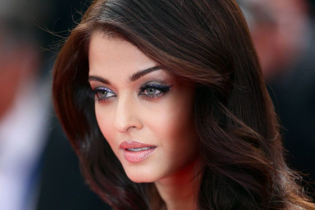 Aishwarya Rai Bachchan Photo(image), Birthdate, Height, Age, Daughter, Net Worth, Biography, Eyes, Family, Husband, Wedding, Brother, Father, History, Twitter, Instagram, Facebook, Imdb, Wiki (1 (76)