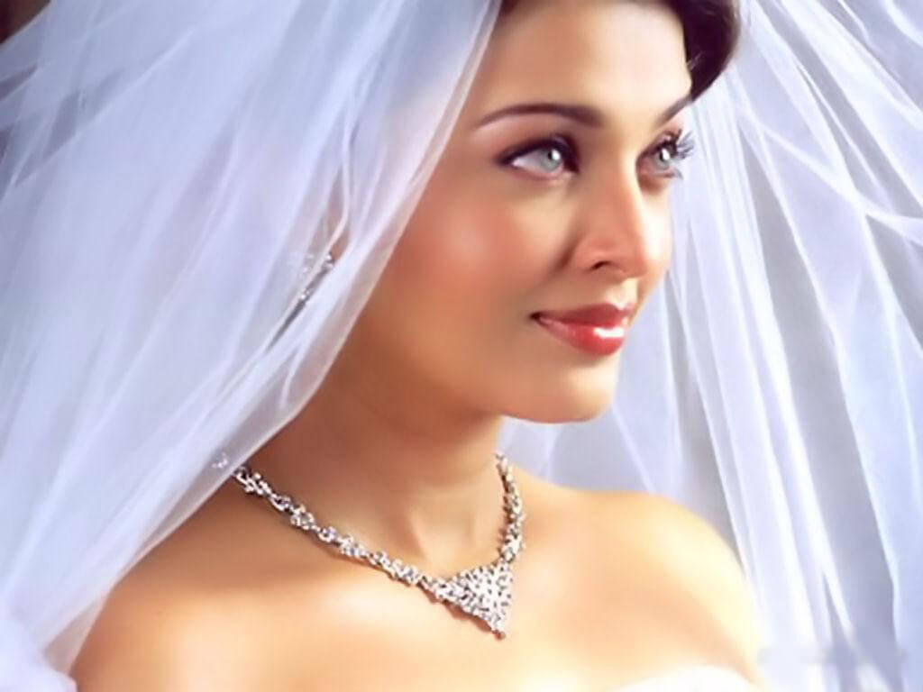 Aishwarya Rai Bachchan Photo(image), Birthdate, Height, Age, Daughter, Net Worth, Biography, Eyes, Family, Husband, Wedding, Brother, Father, History, Twitter, Instagram, Facebook, Imdb, Wiki (1 (95)