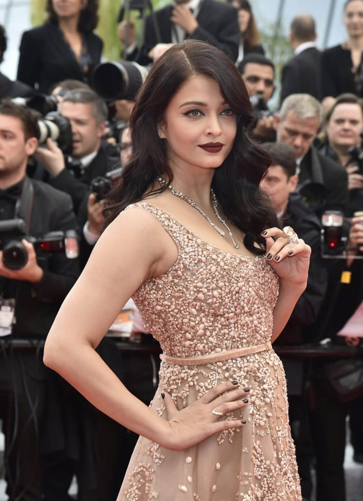 Aishwarya Rai Bachchan Photo(image), Birthdate, Height, Age, Daughter, Net Worth, Biography, Eyes, Family, Husband, Wedding, Brother, Father, History, Twitter, Instagram, Facebook, Imdb, Wiki (1 (98)