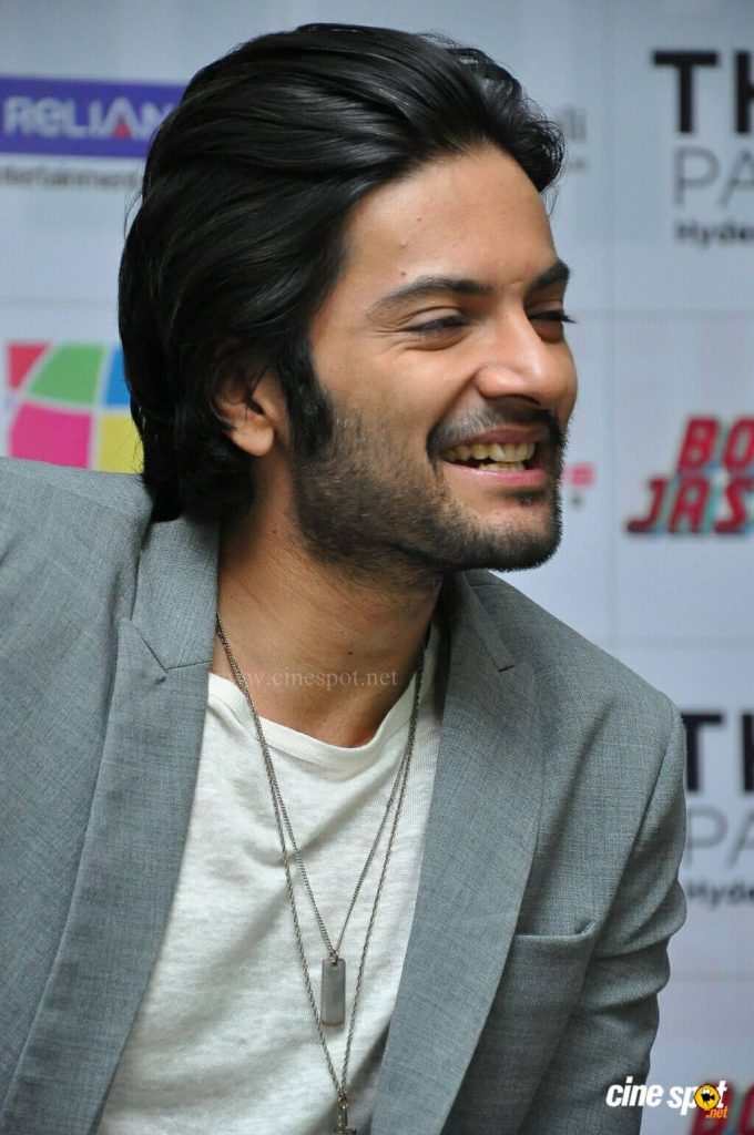Ali Fazal Wife, Photos(images), Height, Age, Biography, Education, Net Worth, Family, Hairstyle, Date Of Birth, Details, Brother, Instagram, Twitter, Facebook, Wiki, Imdb (18)