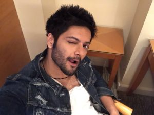 Ali Fazal Wife, Photos(images), Height, Age, Biography, Education, Net Worth, Family, Hairstyle, Date Of Birth, Details, Brother, Instagram, Twitter, Facebook, Wiki, Imdb (45)