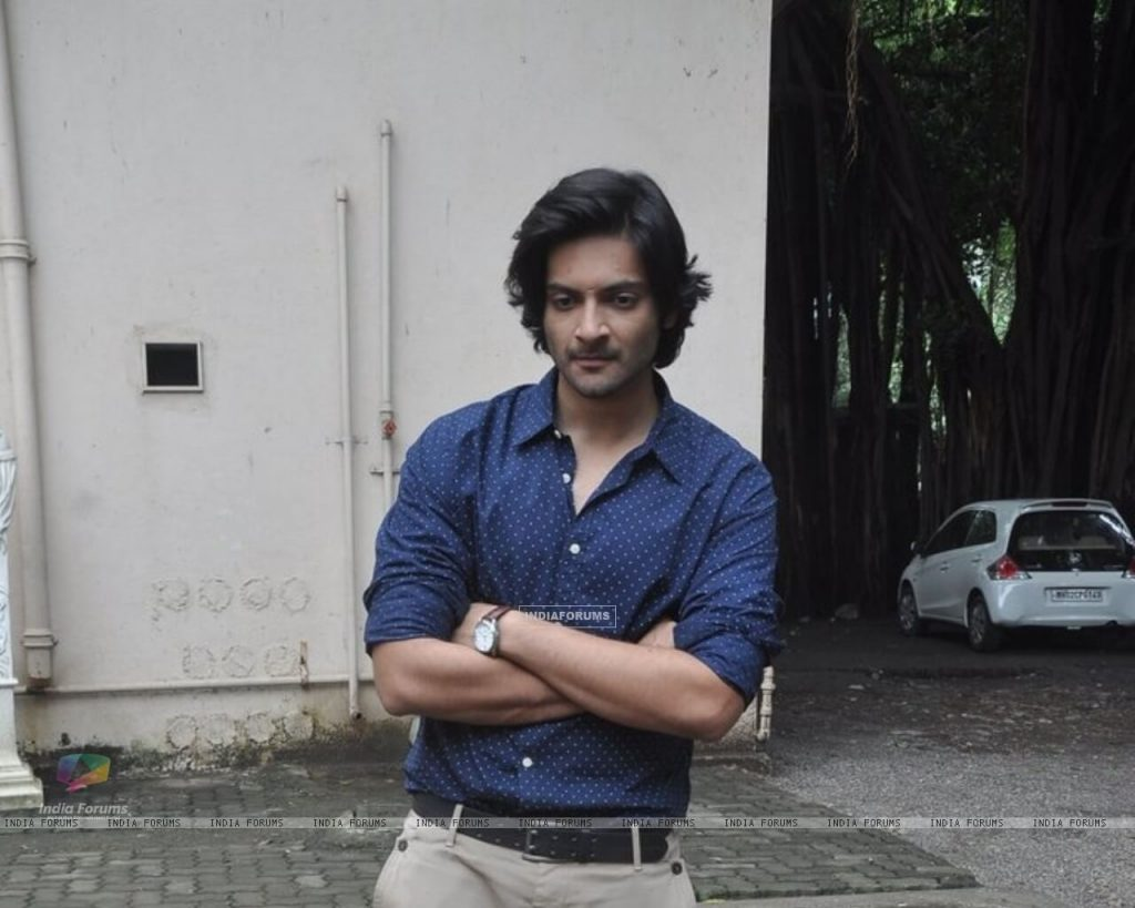 Ali Fazal Wife, Photos(images), Height, Age, Biography, Education, Net Worth, Family, Hairstyle, Date Of Birth, Details, Brother, Instagram, Twitter, Facebook, Wiki, Imdb (6)