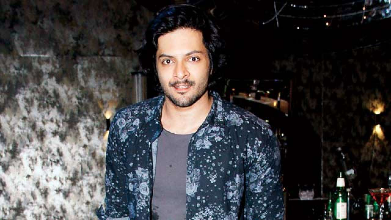 Ali Fazal Wife, Photos(images), Height, Age, Biography, Education, Net Worth, Family, Hairstyle, Date Of Birth, Details, Brother, Instagram, Twitter, Facebook, Wiki, Imdb (8)