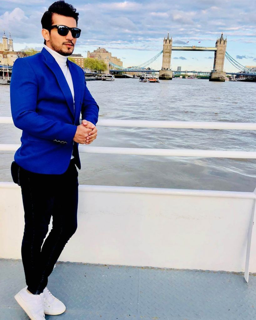 Arjun Bijlani Wife, Age, Son, Photos(image), Biography, Family, Height, Birthday, Sister, Hairstyle, Marriage, Net Worth, Education, Instagram, Twitter, Wiki, Facebook, Imdb (12)