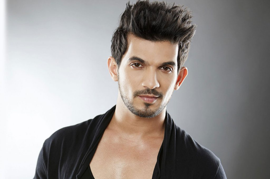 Arjun Bijlani Wife, Age, Son, Photos(image), Biography, Family, Height, Birthday, Sister, Hairstyle, Marriage, Net Worth, Education, Instagram, Twitter, Wiki, Facebook, Imdb (20)