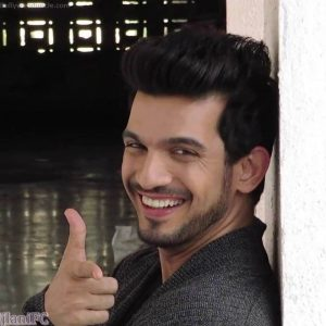 Arjun Bijlani Wife, Age, Son, Photos(image), Biography, Family, Height, Birthday, Sister, Hairstyle, Marriage, Net Worth, Education, Instagram, Twitter, Wiki, Facebook, Imdb (22)