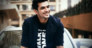 Arjun Bijlani Wife, Age, Son, Photos(image), Biography, Family, Height, Birthday, Sister, Hairstyle, Marriage, Net Worth, Education, Instagram, Twitter, Wiki, Facebook, Imdb (25)