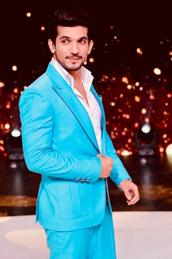 Arjun Bijlani Wife, Age, Son, Photos(image), Biography, Family, Height, Birthday, Sister, Hairstyle, Marriage, Net Worth, Education, Instagram, Twitter, Wiki, Facebook, Imdb (27)