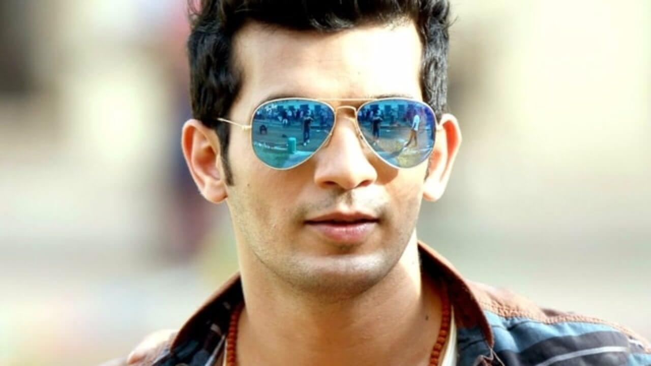 Arjun Bijlani Wife, Age, Son, Photos(image), Biography, Family, Height, Birthday, Sister, Hairstyle, Marriage, Net Worth, Education, Instagram, Twitter, Wiki, Facebook, Imdb (28)