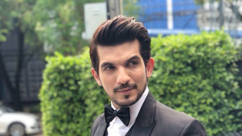 Arjun Bijlani Wife, Age, Son, Photos(image), Biography, Family, Height, Birthday, Sister, Hairstyle, Marriage, Net Worth, Education, Instagram, Twitter, Wiki, Facebook, Imdb (3)