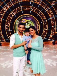 Arjun Bijlani Wife, Age, Son, Photos(image), Biography, Family, Height, Birthday, Sister, Hairstyle, Marriage, Net Worth, Education, Instagram, Twitter, Wiki, Facebook, Imdb (30)