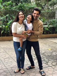 Arjun Bijlani Wife, Age, Son, Photos(image), Biography, Family, Height, Birthday, Sister, Hairstyle, Marriage, Net Worth, Education, Instagram, Twitter, Wiki, Facebook, Imdb (34)