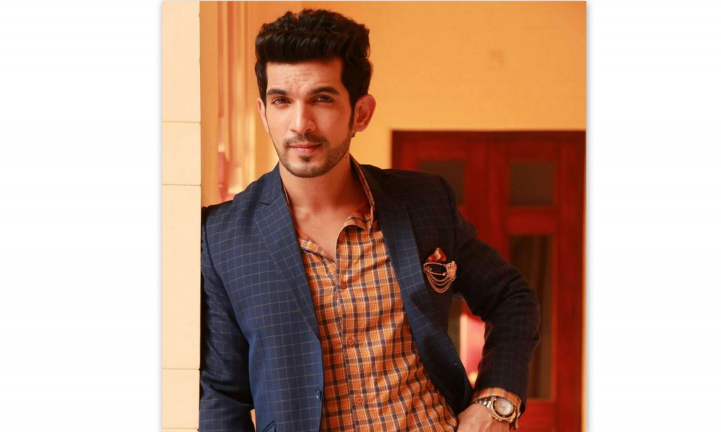 Arjun Bijlani Wife, Age, Son, Photos(image), Biography, Family, Height, Birthday, Sister, Hairstyle, Marriage, Net Worth, Education, Instagram, Twitter, Wiki, Facebook, Imdb (40)