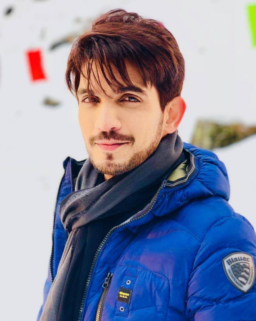 Arjun Bijlani Wife, Age, Son, Photos(image), Biography, Family, Height, Birthday, Sister, Hairstyle, Marriage, Net Worth, Education, Instagram, Twitter, Wiki, Facebook, Imdb (9)