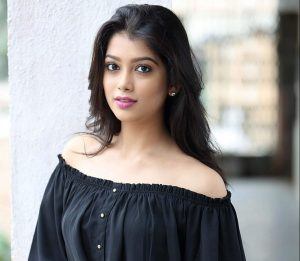 Digangana Suryavanshi Age, Biography, Pic(images), Height, Parents, Father, Date Of Birth, Family, Boyfriend, Hair, Education, Instagram, Wiki, Facebook, Twitter, Imdb (12)