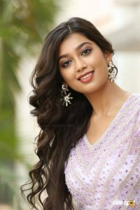 Digangana Suryavanshi Age, Biography, Pic(images), Height, Parents, Father, Date Of Birth, Family, Boyfriend, Hair, Education, Instagram, Wiki, Facebook, Twitter, Imdb (13)