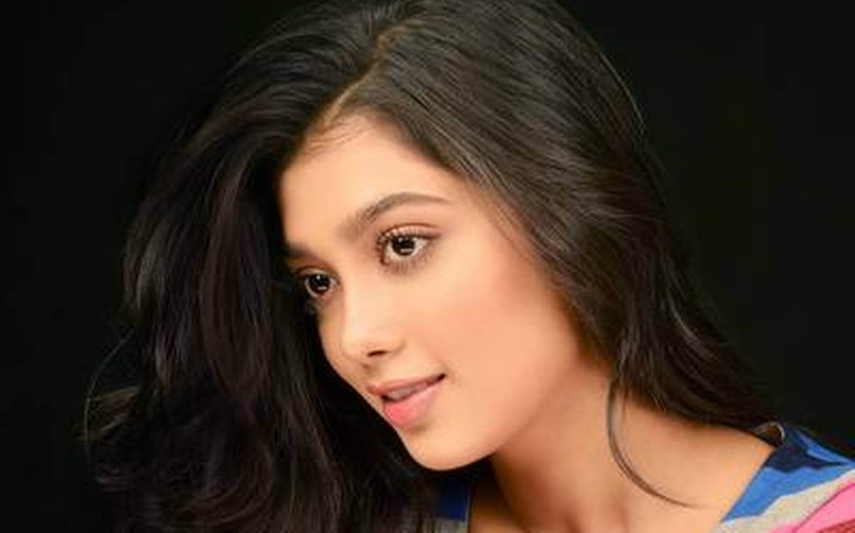 Digangana Suryavanshi Age, Biography, Pic(images), Height, Parents, Father, Date Of Birth, Family, Boyfriend, Hair, Education, Instagram, Wiki, Facebook, Twitter, Imdb (55)