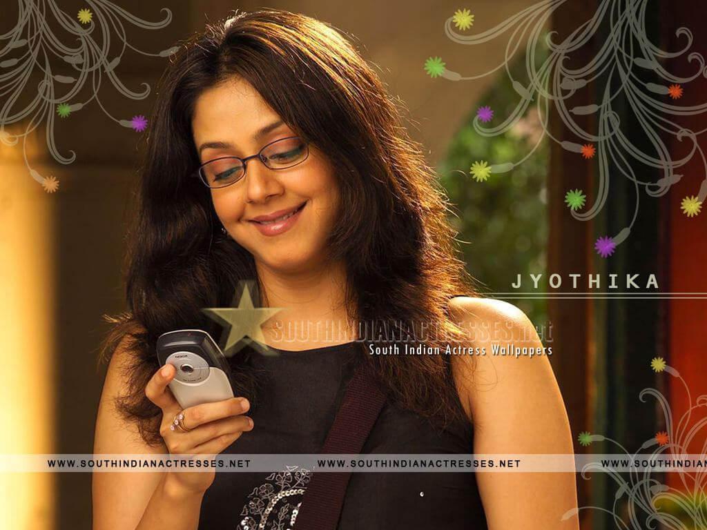 Jyothika Surya (jyothika Sadanah Saravanan) Age, Photos(images), Height, Husband, Family, Biography, Birthday, Daughter, Marriage, Real Name, Education, Net Worth, Instagram, Wiki, Facebook, Twitte ( (24)