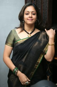 Jyothika Surya (jyothika Sadanah Saravanan) Age, Photos(images), Height, Husband, Family, Biography, Birthday, Daughter, Marriage, Real Name, Education, Net Worth, Instagram, Wiki, Facebook, Twitte ( (3)